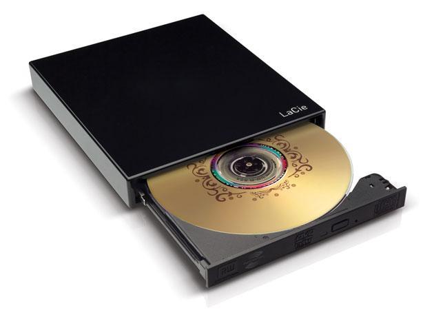 Устройство характеризуется следующими скоростями записи 8x для DVD=R